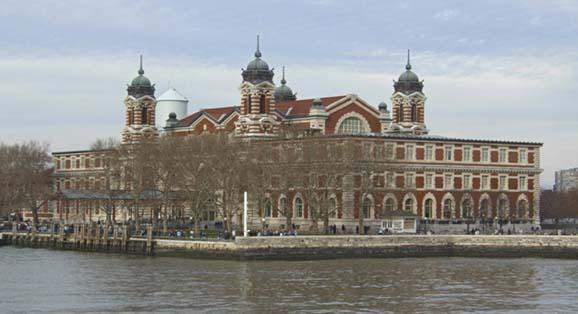 (c) Mamuga: 'Ellis Island'