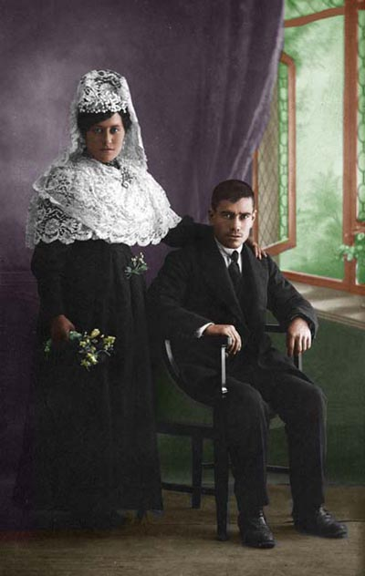 (c) Mamuga: 'Isabel y Antonio'
