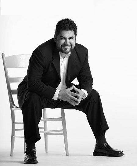 (c) Juan L. González